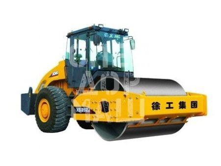 Покупайте Каток грунтовый XCMG XS262J и другие модели от производителей DM, Dunapac, LiuGong, XCMG, XGMA, Bomagпо выгодной цене в СПЕЦДОРМАШ!