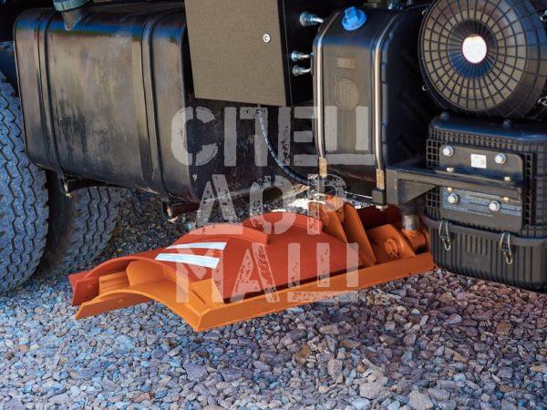 Покупайте Средний грейдерный отвал для КДМ и другое навесное оборудование для КДМ по выгодной цене в СПЕЦДОРМАШ!