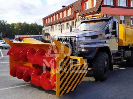 Покупайте Шнекороторный снегоочиститель УРАЛ-NEXT СШР-1 001-СА-02 и другое оборудование для уборки снега по выгодной цене в СПЕЦДОРМАШ!