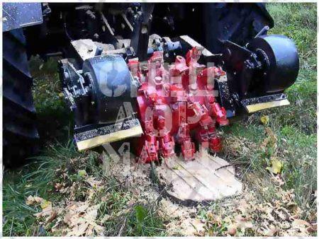 Покупайте Фреза для фрезерования пней ДЭМ-121 и другое навесное оборудование для МТЗ по выгодной цене в СПЕЦДОРМАШ!